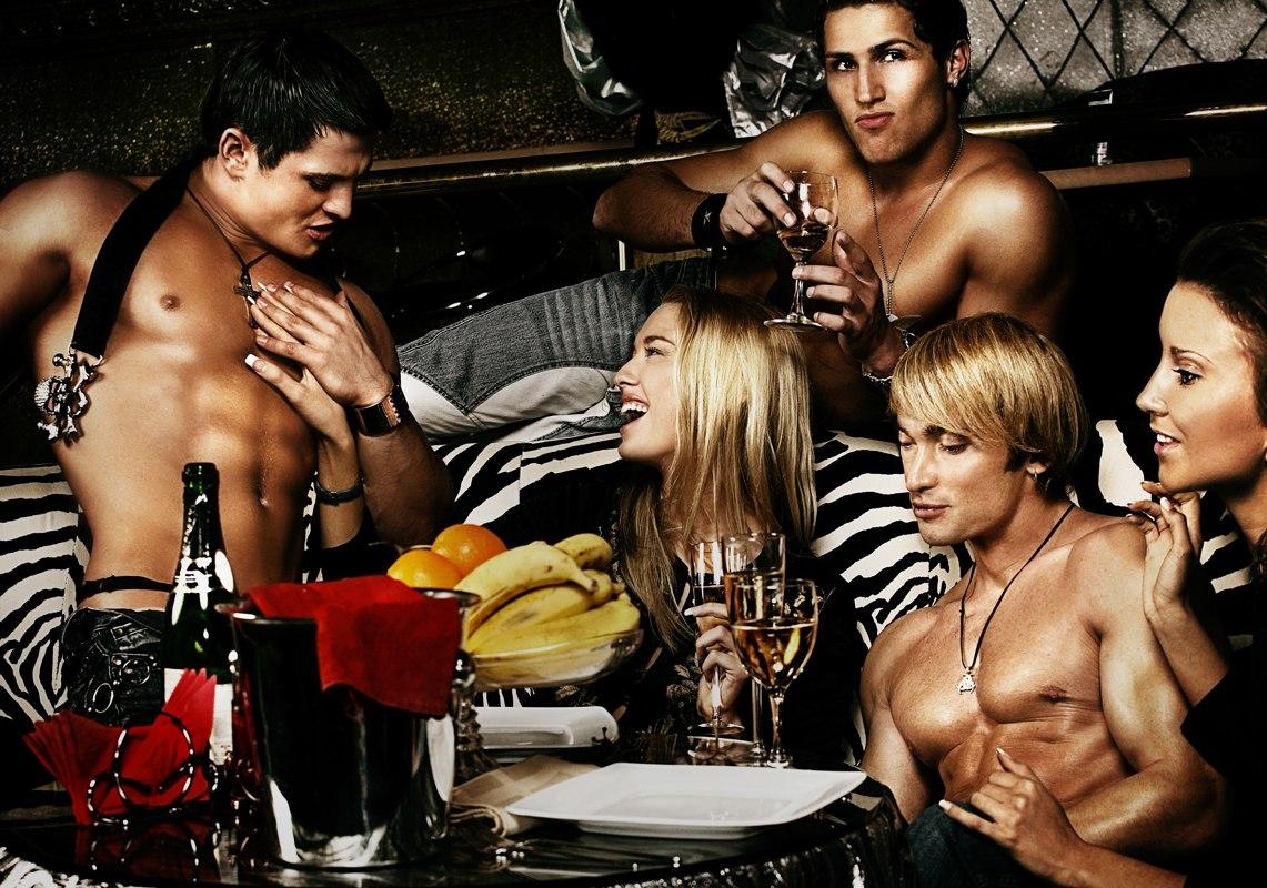 v-klube-s-zhenoy-erotika